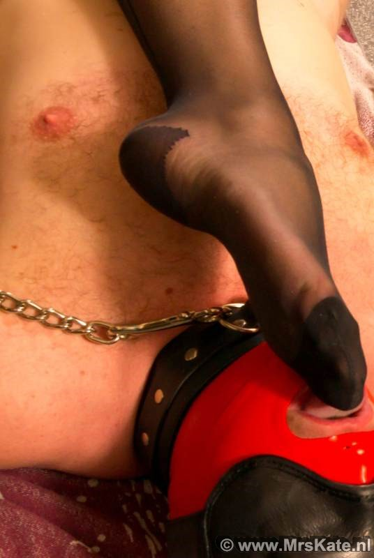 Voet aanbidding Mrs Kate House of SubMission Den Haag